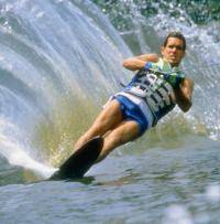 Водные виды спорта: какой клей нужен для кастюма