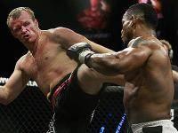 Единоборства: Гран при Bellator в тяжелом весе  Кто станет первым чемпионом организации в тяжах