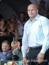 Единоборства: Федора Емельяненко заставляют покинуть бои без правил