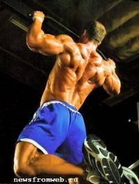 Фитнес и бодибилдинг: Как научица подтягиваца на одной руке