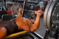 Фитнес и бодибилдинг: что нужно чтобы достичь соединения грудных мышц